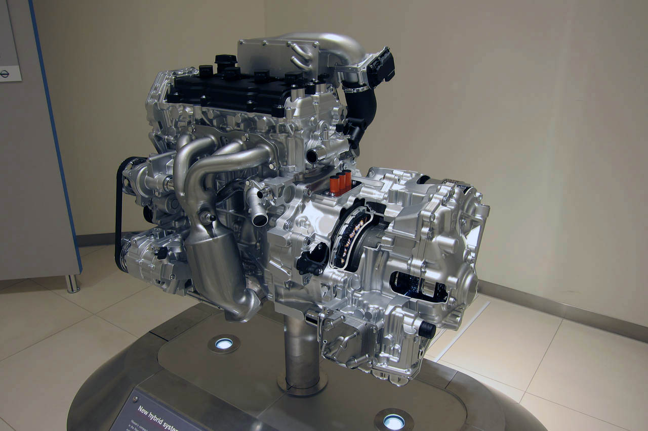 Nissan 2 5 Liter Four Cylinder Supercharged Hybrid Photo
