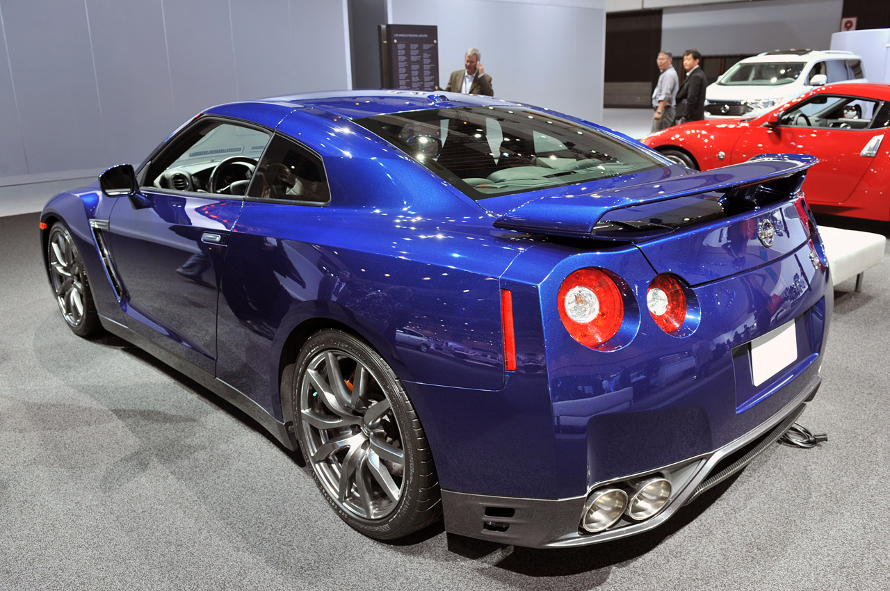 nissan raises gt r base price to 96 820 for 2013 autoblog. Black Bedroom Furniture Sets. Home Design Ideas