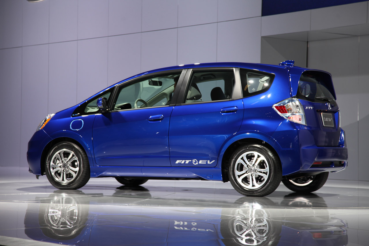 honda fit ev rated at 118 mpge with 82 mile range by epa