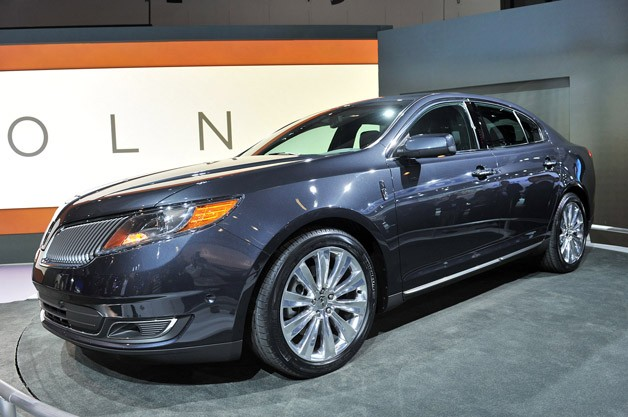 2013 Lincoln MKS live in LA