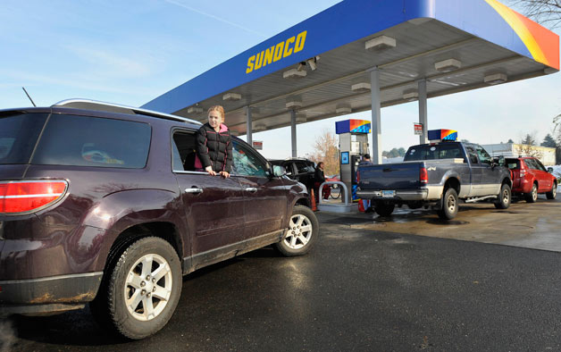 Sunoco gas station line