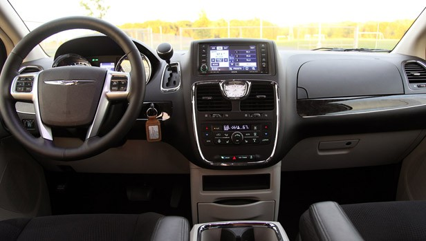 2011 Chrysler Town & Country Touring interior
