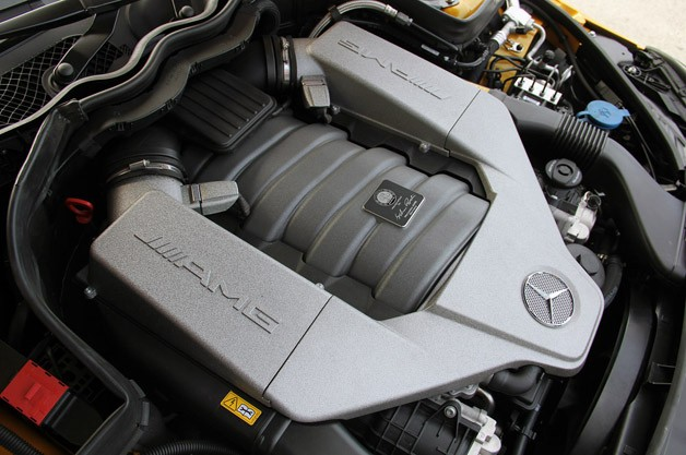 2012 Mercedes-Benz C63 AMG Coupe Black Series engine