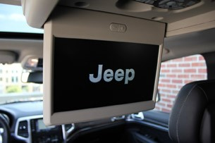 2012 Jeep Grand Cherokee SRT8 rear entertainment system