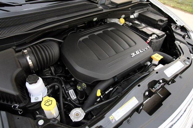 2011 Chrysler Town &amp; Country Touring engine
