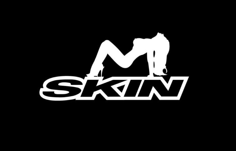 Skin Girl Vs Mudflap Girl Photo Gallery Autoblog