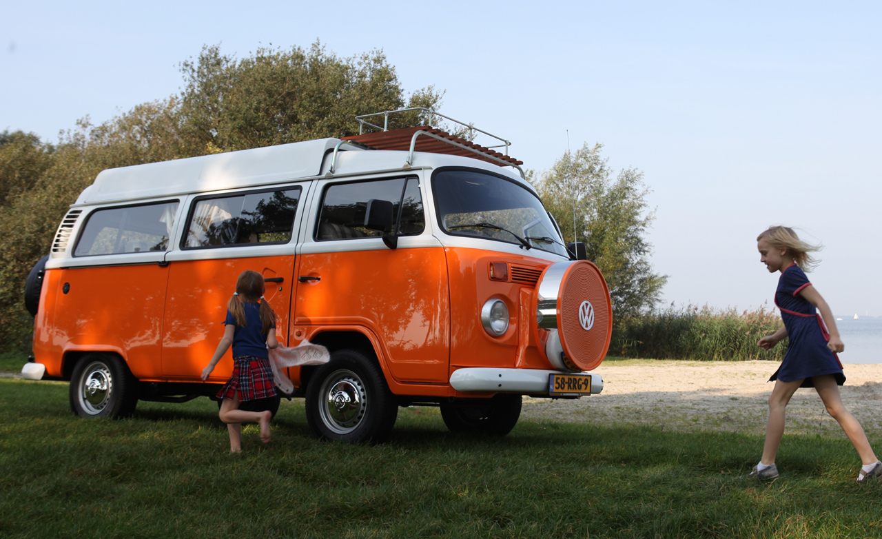volkswagen type 2 returns to europe via brazil autoblog. Black Bedroom Furniture Sets. Home Design Ideas
