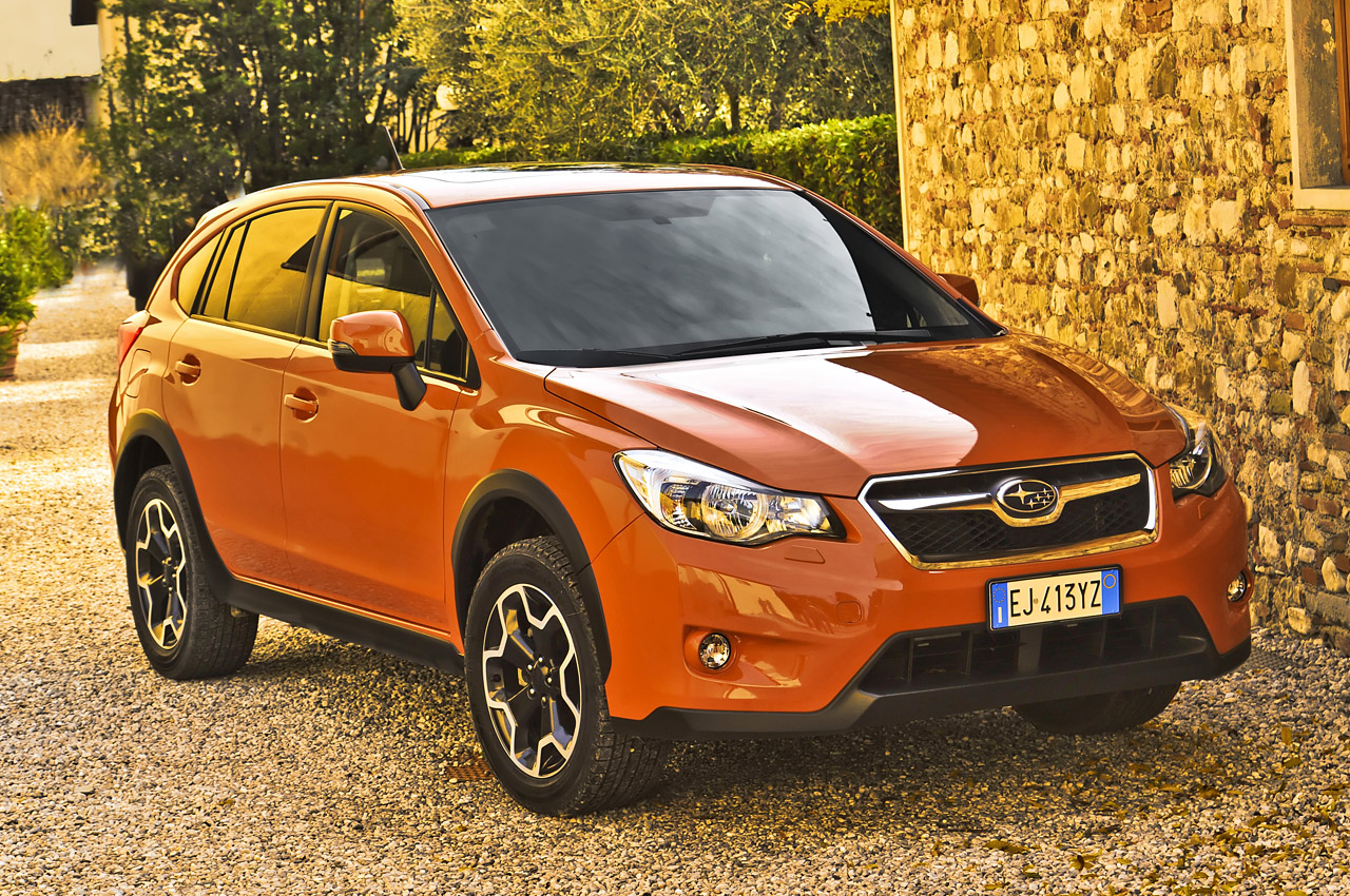 2013 subaru xv crosstrek first drive autoblog. Black Bedroom Furniture Sets. Home Design Ideas