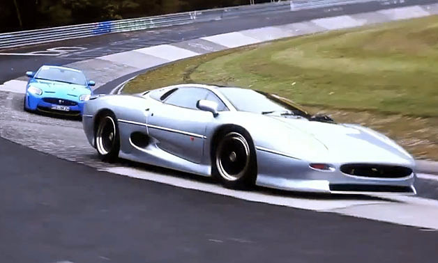 Jaguar XKR-S vs XJ220