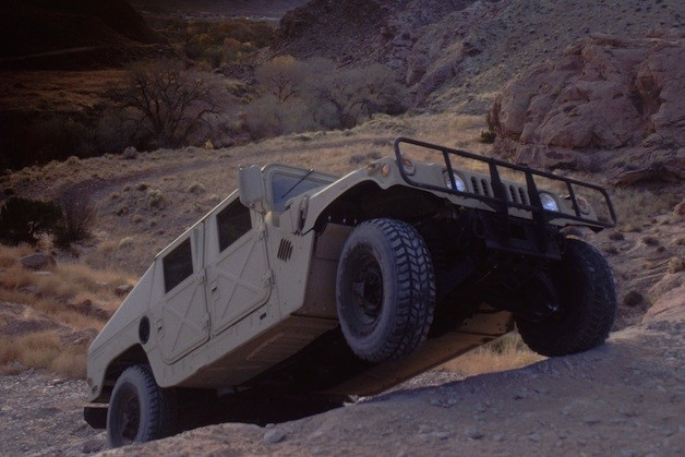 Humvee reborn upon the battlefield… with the chimney?!