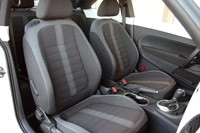 2012 Volkswagen Beetle Turbo front seats