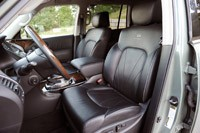2012 Infiniti QX56 front seats