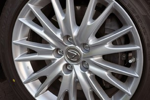 2013 Lexus GS 450h wheel