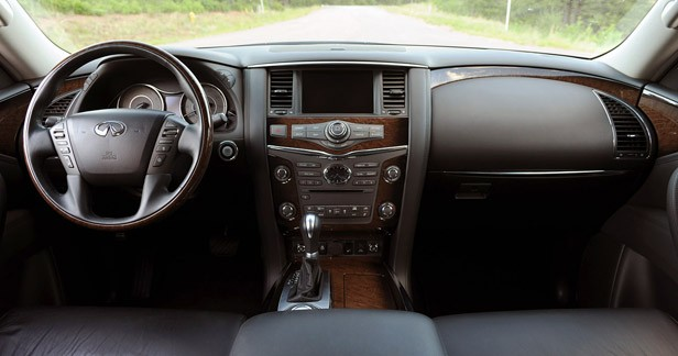 2012 Infiniti QX56 interior