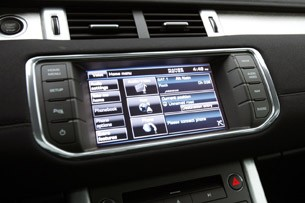 2012 Land Rover Range Rover Evoque Coupe multimedia display
