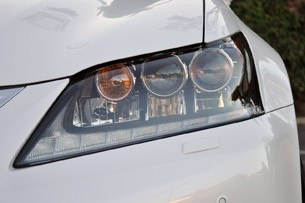 2013 Lexus GS 450h headlight