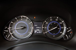 2012 Infiniti QX56 gauges