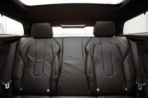 2012 Land Rover Range Rover Evoque Coupe rear seats