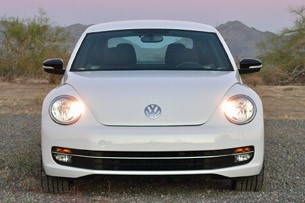 2012 Volkswagen Beetle Turbo front view