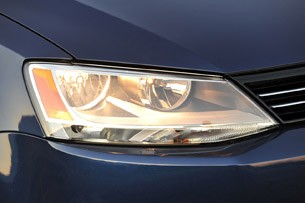 2011 Volkswagen Jetta TDI headlight