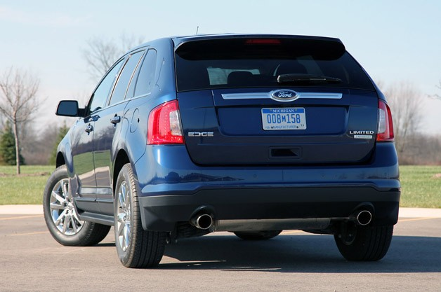 2012 Ford Edge EcoBoost rear 3/4 view