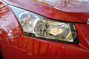 2012 Chevrolet Cruze Eco headlight