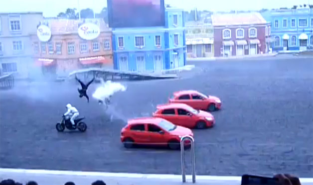 Motorcycle Stunt Show crash