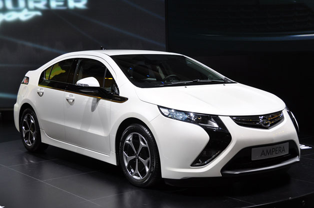 opel ampera delayed over chevy volt battery fears. Black Bedroom Furniture Sets. Home Design Ideas