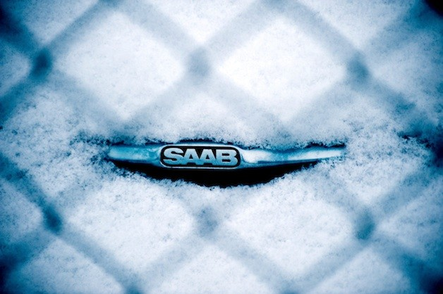 Saab emblem in snow