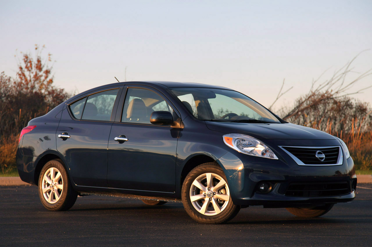 2012 nissan versa sedan review photo gallery autoblog vanachro Choice Image