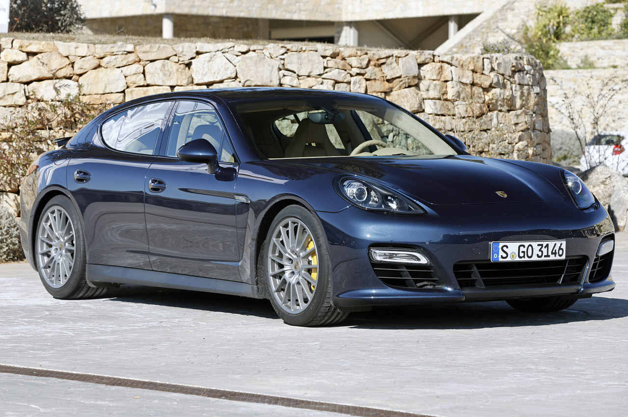 2013 porsche panamera gts w video autoblog. Black Bedroom Furniture Sets. Home Design Ideas