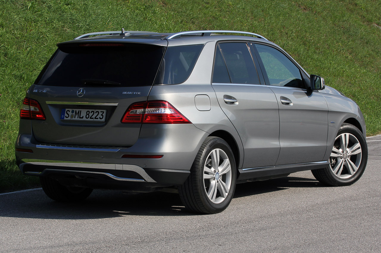 2012 mercedes ml350 bluetec w on offroad package quick spin photo gallery autoblog. Black Bedroom Furniture Sets. Home Design Ideas