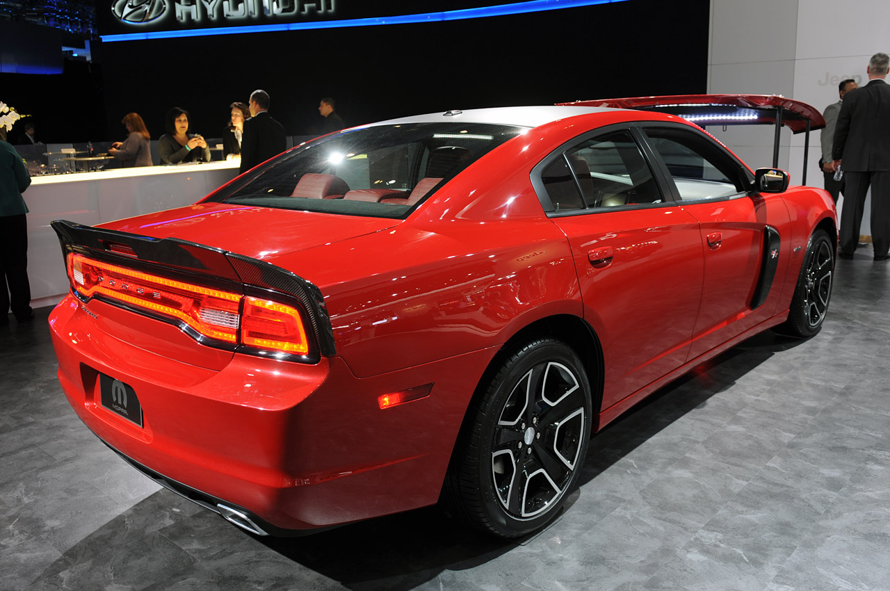 2012 dodge charger redline detroit 2012 photo gallery autoblog. Black Bedroom Furniture Sets. Home Design Ideas