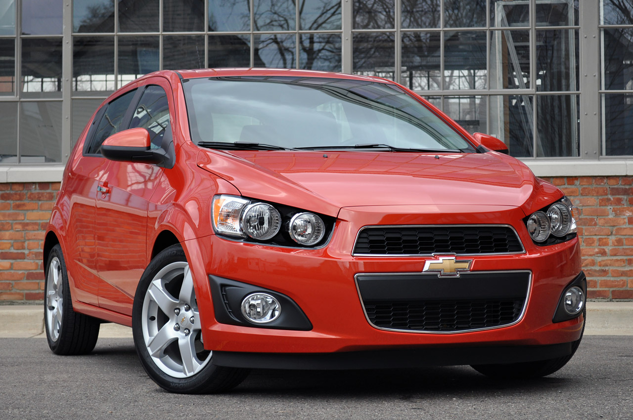 2012 chevrolet sonic ltz autoblog. Black Bedroom Furniture Sets. Home Design Ideas