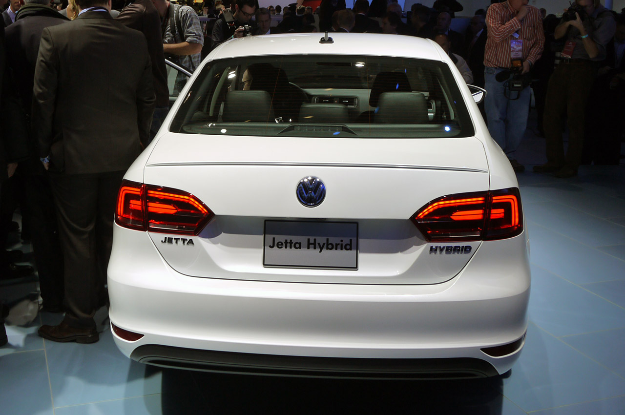 2013 Volkswagen Jetta Hybrid debuts with projected 45 mpg combined rating - Autoblog