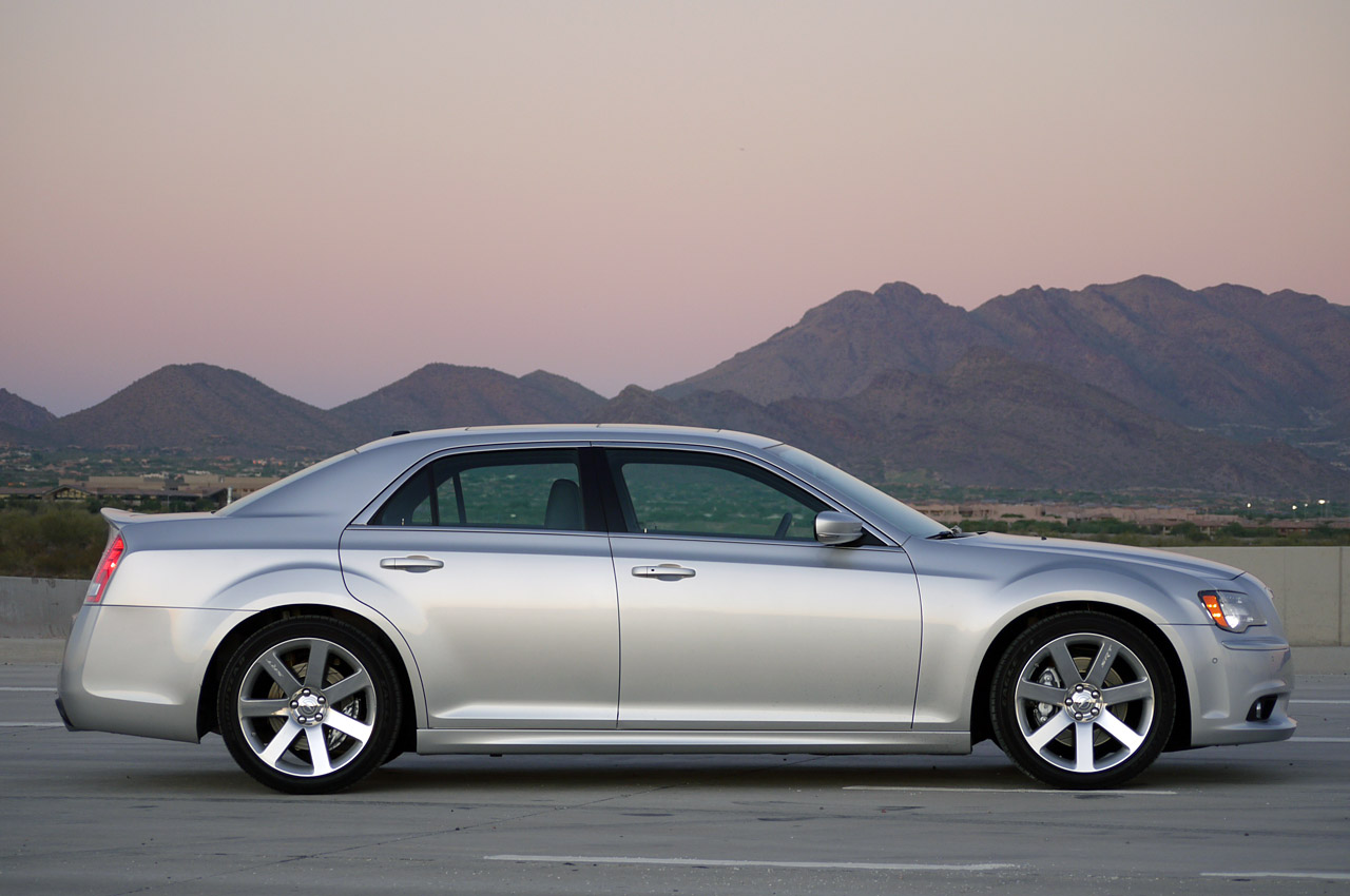 2012 chrysler 300 srt8 review photo gallery autoblog. Cars Review. Best American Auto & Cars Review