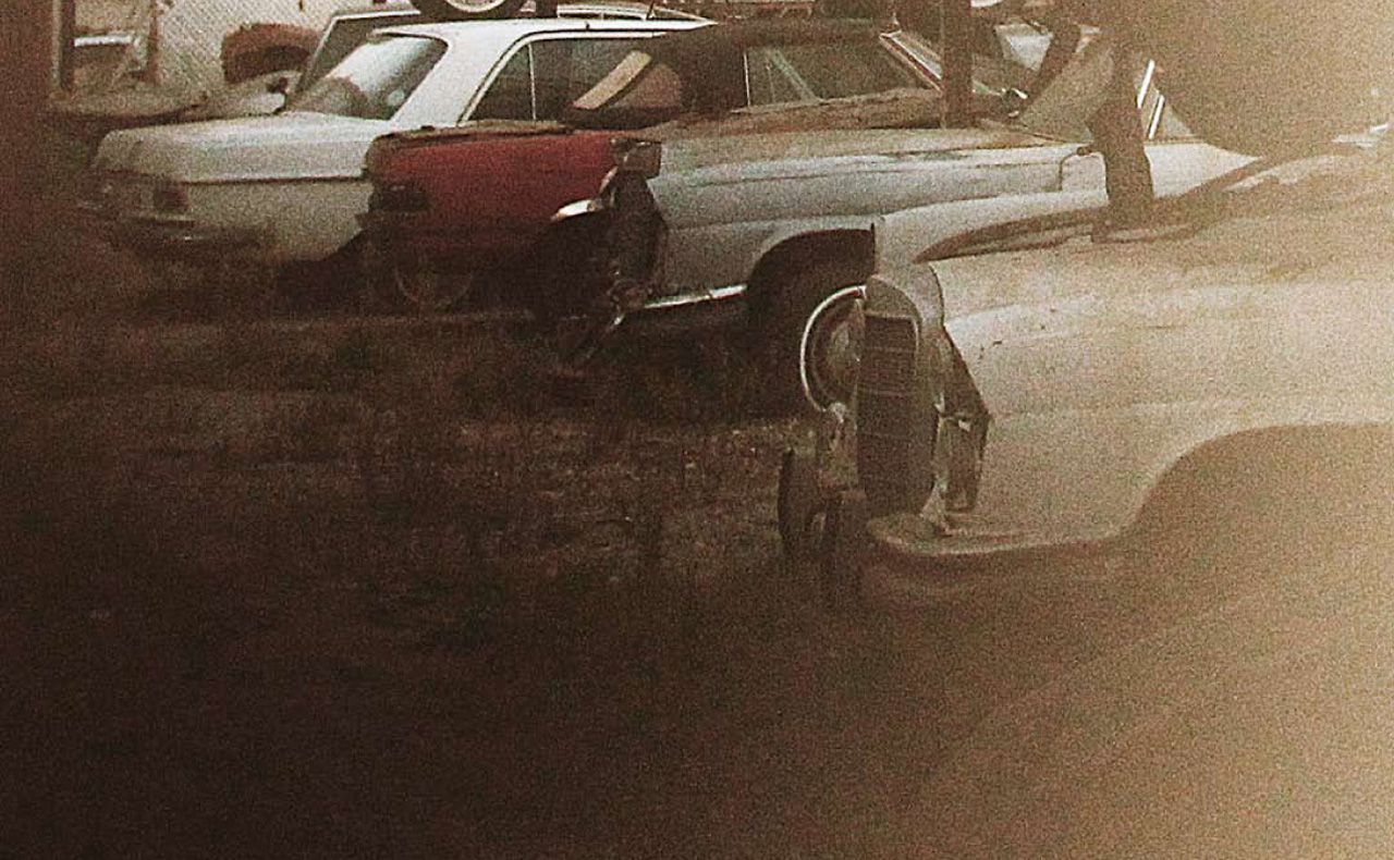 One off mercedes 500k barn find discovered in south for Mercedes benz scrap yard