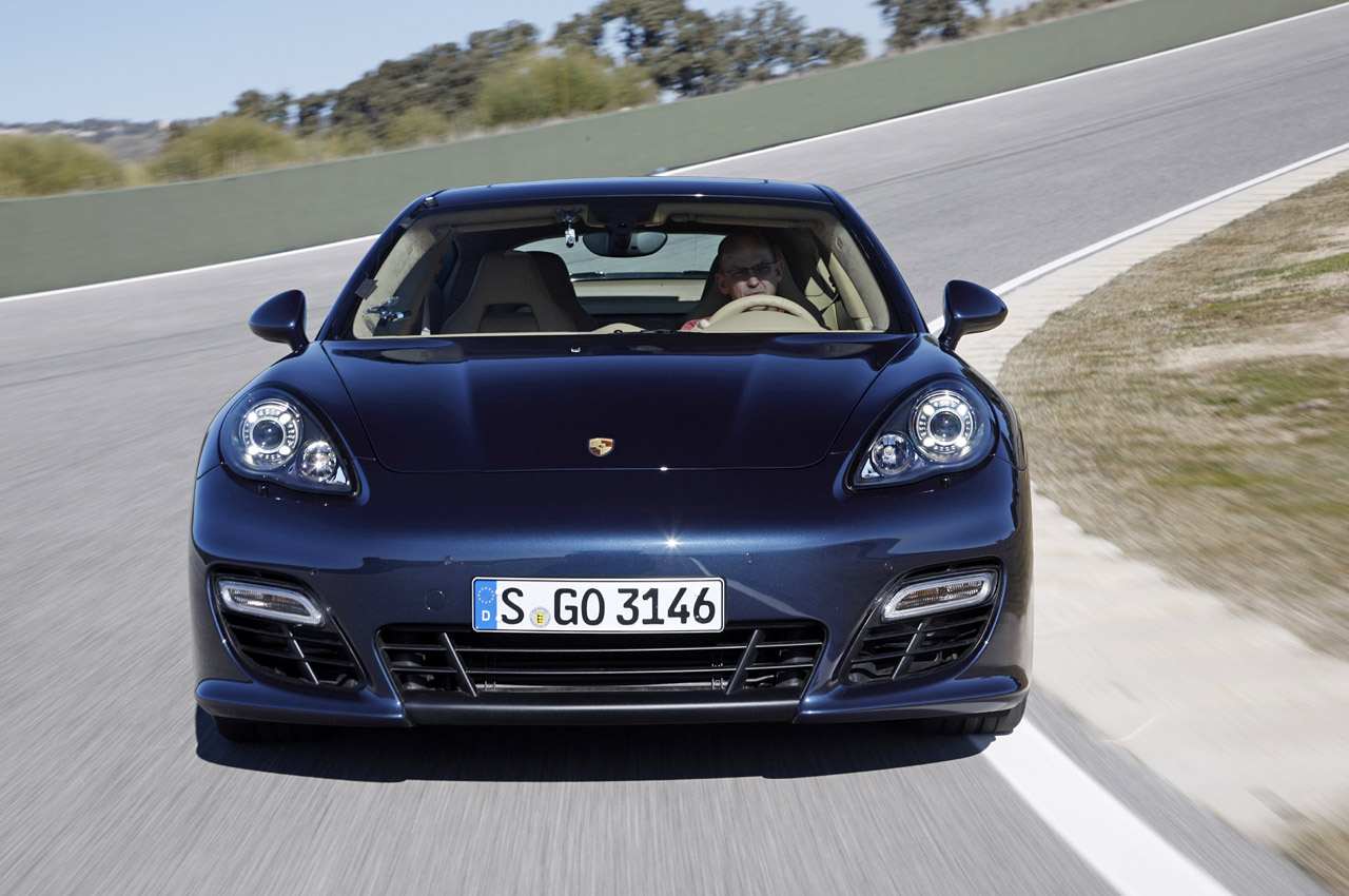 2013 porsche panamera gts first drive photo gallery autoblog. Black Bedroom Furniture Sets. Home Design Ideas