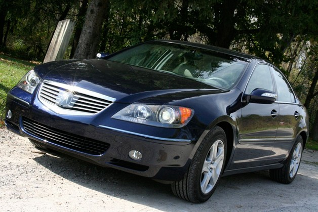 2008 Acura RL - front three-quarter view
