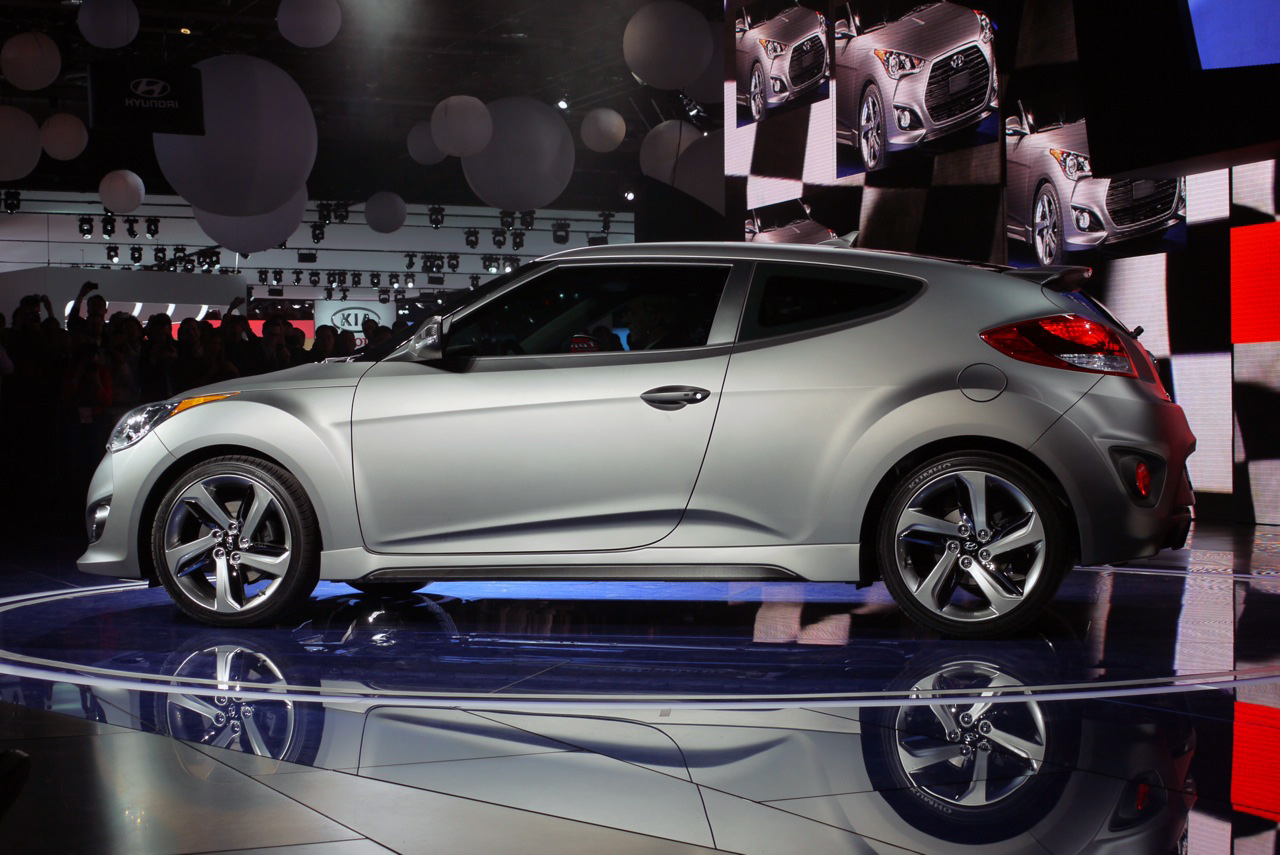 2013 hyundai veloster turbo is a mighty mite autoblog. Black Bedroom Furniture Sets. Home Design Ideas