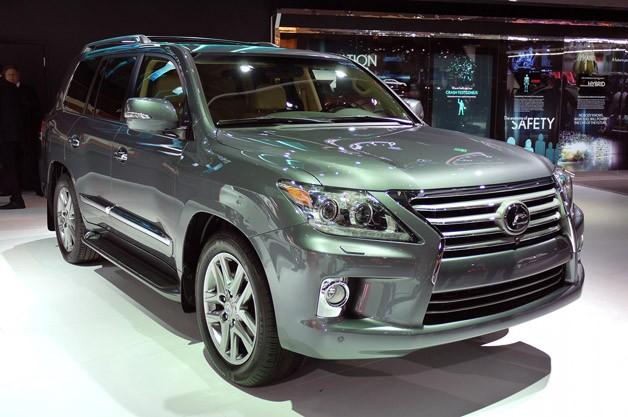 2013 lexus lx570 detroit Another luxury large SUV produced in Japan   2012 Toyota Land Cruiser
