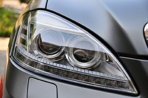 2012 Mercedes-Benz S63 AMG headlight