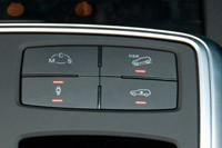 2012 Mercedes-Benz ML63 AMG drive mode controls