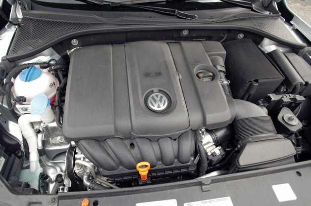 2012 Volkswagen Passat engine