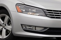 2012 Volkswagen Passat front detail