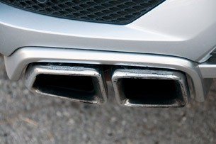 2012 Mercedes-Benz ML63 AMG exhaust tip