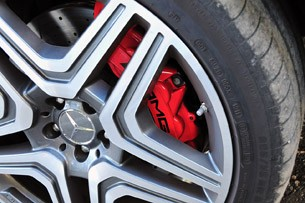 2012 Mercedes-Benz ML63 AMG wheel detail
