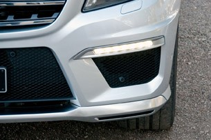2012 Mercedes-Benz ML63 AMG front fascia
