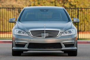 2012 Mercedes-Benz S63 AMG front view
