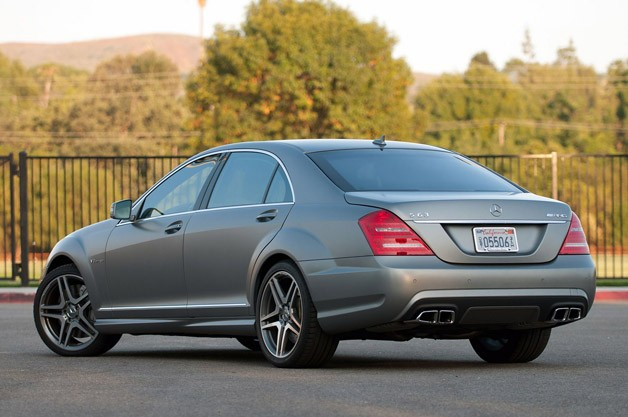 2012 Mercedes-Benz S63 AMG rear 3/4 view